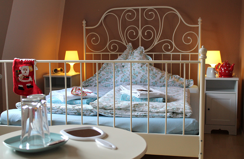 bedandbreakfast01.jpg